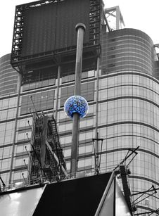 Free Sphere In New York Royalty Free Stock Photo - 31457475