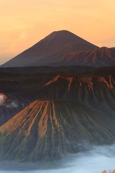 Free Bromo Mountain In Tengger Semeru National Park At Sunrise Royalty Free Stock Photos - 31477768