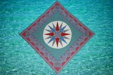 Free Mariner S Compass With Nautical Elements Royalty Free Stock Image - 31493366