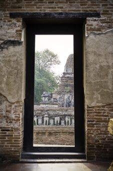 Free The Gate At Wat Maheyong, Ayutthaya, Thailand Stock Photo - 31493690