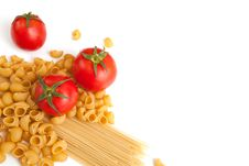 Free Raw Pasta And Tomatoes Stock Images - 31498164