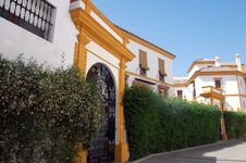 Free Spanish Villa In Modern Style Stock Photography - 3154412