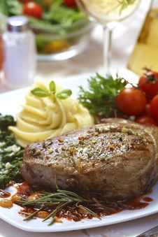 Free Beef Steak Royalty Free Stock Image - 31500036