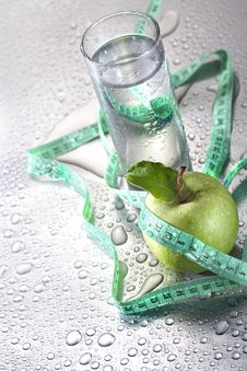 Free Water And Apple Stock Photos - 31502563