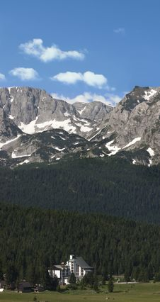 Free Snow Mountains Royalty Free Stock Image - 31504736