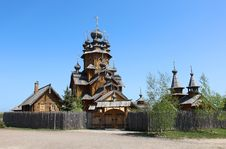 Free Wooden Church In Russian Countryside Stock Photo - 31508360