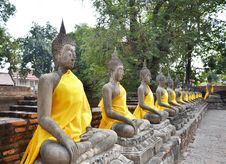 Free Ancient Buddha Statues At Wat Yai Chai Mongkol, Ayutthaya, Thail Stock Photos - 31513183