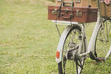 Free Vintage Bicycle Royalty Free Stock Photo - 31518185