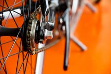 Free Low-down Shot Of Bicycle Wheels And Gearwheel Royalty Free Stock Photography - 31518517