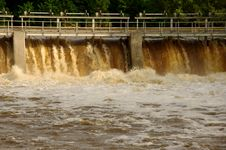 Free Dam On The River. Stock Photography - 31522242