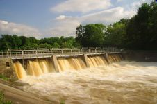 Free Dam On The River. Stock Photography - 31522362