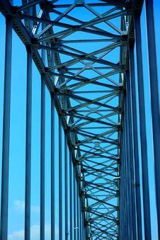 Free Symmetrical Bridge Stock Photo - 31544230