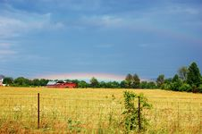Free Rainbow Over Barn Royalty Free Stock Photo - 31544235