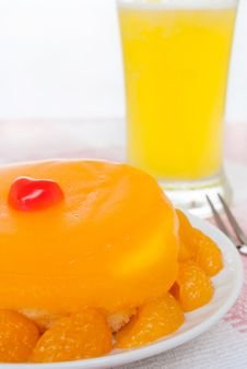 A Fresh Orange Cake Stock Images