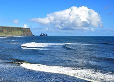 Free Black Sand Beach In Vik Royalty Free Stock Photo - 31548535
