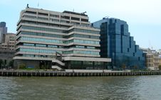 Free Buildings Along Thames In London Stock Photography - 31549452
