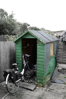 Free Dilapidated Shed Royalty Free Stock Photo - 31549645