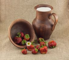 Free Rustic Still Life Of Strawberries Stock Photo - 31550260