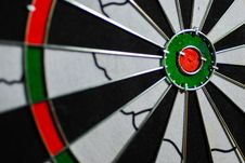 Free Dart Board Royalty Free Stock Photo - 31553275