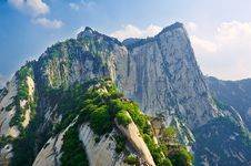 Free Look Into The Distance Canglong Ridge_shuashan_xia Royalty Free Stock Photo - 31565785