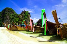 Free Long Tail Boat On Beautiful Tropical Beach Royalty Free Stock Photography - 31565847