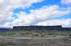 Free Flat Mountain In Iceland Royalty Free Stock Photography - 31575357