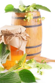 Free Linden Honey Jar And Barrel With Flowers Stock Photo - 31577010