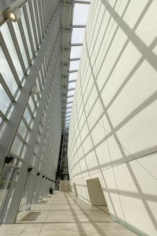 Free Modern Architecture Royalty Free Stock Photo - 31589035