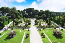 Free Garden S Landscape Stock Images - 31590924
