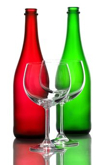 Free Color Wine Bottles And Wine Glasses Royalty Free Stock Images - 31591099