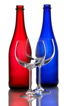 Free Color Wine Bottles And Wine Glasses Stock Photo - 31591130