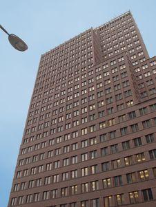 Free Modern Building Royalty Free Stock Photo - 31593275