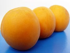 Free Three Apricots On Table Stock Photo - 3161740