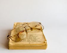 Free Old Prayer Book And Glasses Stock Photo - 3165100