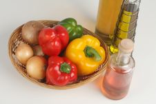 Free Basket With Peppers And Oil Stock Images - 3166834