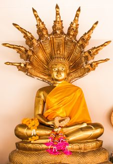 Free Golden Buddha With Naga Royalty Free Stock Image - 31613226