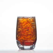Free Root Beer Flavour Aerated Drinks With Soda And Ice Stock Photo - 31618230