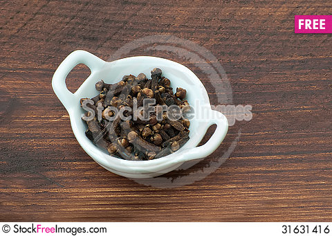 Free Whole Cloves Royalty Free Stock Image - 31631416