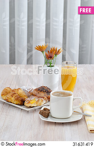 Free Breakfast With Juice Royalty Free Stock Images - 31631419