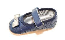 Free Babies Shoe Royalty Free Stock Photos - 31643768