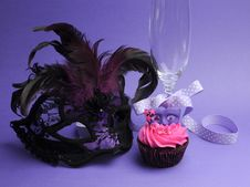 Free Purple Masquerade Party Decorations Royalty Free Stock Photo - 31678215