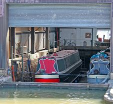 Free Canal Narrow Boats. Royalty Free Stock Photo - 31681805
