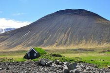 Free Icelandic Turf House Stock Image - 31694391