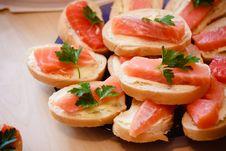 Free Sandwiches With Smoked Salmon Stock Photo - 31698160