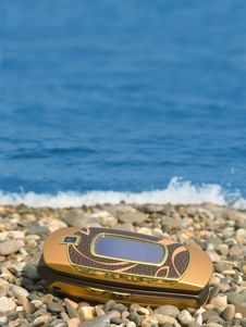 Free Mobile Phone On Beach Royalty Free Stock Photos - 3170958
