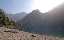 Free Lake In The Mountains Royalty Free Stock Photos - 3177728