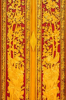 Free Carved Wood Door Royalty Free Stock Photos - 31705238