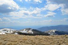 Free Mountain Ridge Overlooking Large Stock Photo - 31750170