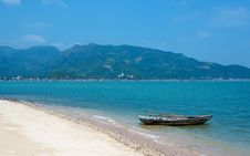 Free Boat On The Shore Of Tropical Island. Vietnam. Royalty Free Stock Photo - 31766295