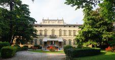 Free Italian Mansion Royalty Free Stock Photos - 31770328